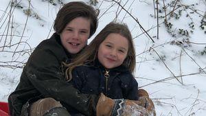 Beckham-Schneehasen: Cruz & Harper mit Dad David beim Rodeln