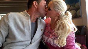 Daniela Katzenberger und Lucas Cordalis zeigen sich verliebt auf einem Kussfoto