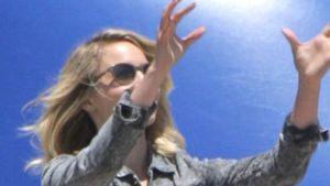 Dianna Agron: Footballspiel im luftigen Maxi-Kleid