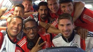 Lukas Podolski, Sami Khedira, Bastian Schweinsteiger, Thomas Müller nach dem WM-Halbfinalsieg
