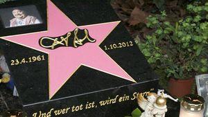 Dirk Bach hat jetzt seinen eigenen pinken Stern!