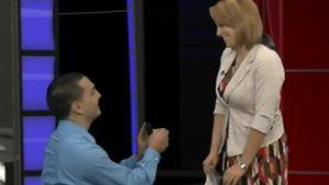 Süße Eilmeldung: Moderatorin liest eigenen Antrag