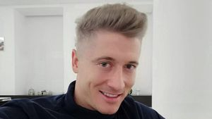 Kaum wiederzuerkennen: Robert Lewandowski plötzlich blond!
