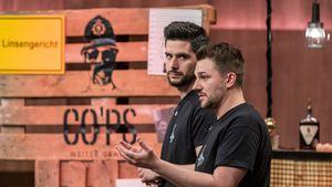 So happy sind die Kaffeeschnaps-Gründer mit ihrem Löwen Nils