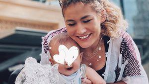 """""""Wasserratte"""": Hier planscht Fiona Erdmanns Sohn Leo Luan"""