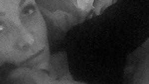 Gesnappt! Georgina Fleur hat einen nackten Mann im Bett