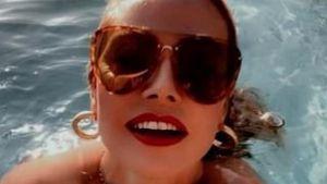 Freizügiger Badespaß: Heidi Klum planscht halbnackt im Pool