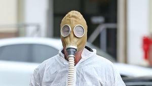 Wegen Coronavirus: Howie Mandel im Ganzkörper-Schutzanzug