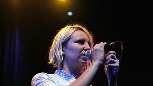 Sia im Scrabble-Duell mit Christina Aguilera