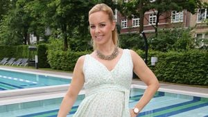 "XL-Baby-Kugel! So sportelt ""Let's Dance""-Isabel Edvardsson"