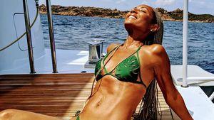 Mega-sexy: Jada Pinkett-Smith posiert im knappen Bikini