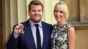 James Corden und Julia Carey beim Buckingham Palace