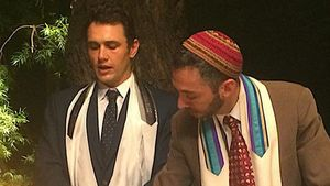 """""""Offiziell ein Mann"""": James Franco feiert seine Bar Mitzwa!"""