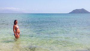 Janni Hönscheid am Strand von Fuerteventura