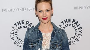 Ups! January Jones underdressed auf dem Red Carpet