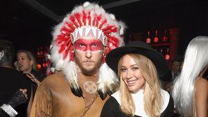 Jason Walsh und Hilary Duff bei einer Halloween-Party