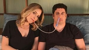 Jenny Mollen und Jason Biggs, April 2017