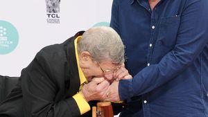 Autsch! Jerry Lewis beißt Quentin Tarantinos Hand