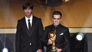 Deutschland doch beim WM-Finale: Darum trägt Lahm den Pokal!