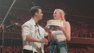 Bei Konzert: Sophie überrascht Joe mit Geburtstagstorte