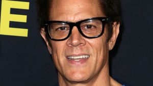 Vorbild-Papa: Hier gibt Johnny Knoxville alles!