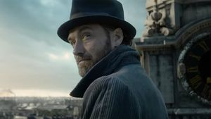 """Fantastic Beasts 2""-Trailer: Jude Law als sexy Dumbledore!"