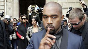 Kanye West, Kris Jenner und Kim Kardashian im Mai 2014 in Paris