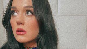 """""""Alles ein Fake"""": Katy Perry präsentiert ihre echten Haare"""