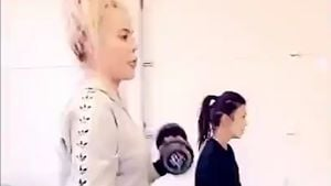 Nach Fan-Hate: Schwangere Khloe Kardashian zurück im Gym!
