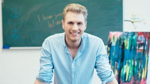 """Lehrer Wim de Groot: Er ist der Neue bei """"Krass Schule""""!"""