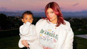 """""""Die coole Tante"""": Kylie Jenner posiert mit Neffe Psalm"""