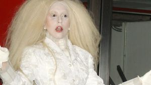Lady GaGa: Women of the Year im Gespenster-Look