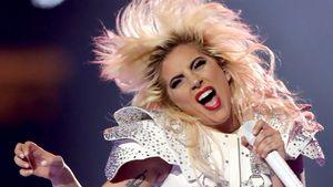 Bodenständig: Lady Gaga flippt bei eigenem Song im Radio aus