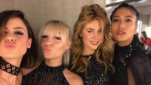 Pipi-Pausen-Selfie! Lena, Dagi Bee, Palina & Lary aufm Klo!