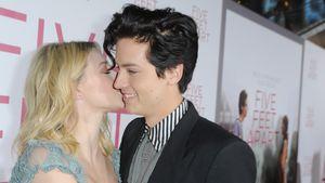 """Liebes-Beweis: Hier knutscht """"Riverdale""""-Paar Lili und Cole!"""