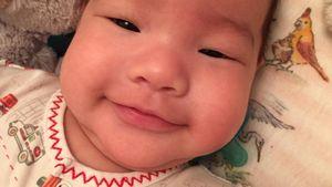 Kein Würmchen mehr: Lucy Liu zeigt ihren Wonneproppen