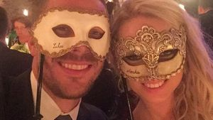 Lukas Podolski mit seiner Ehefrau Monika