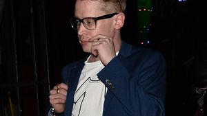 Macaulay Culkin mega-stylish mit Brille bei Date mit Brenda