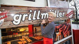 Riesen-Ansturm: Melanie Müllers kuriose Wurstbuden-Eröffnung