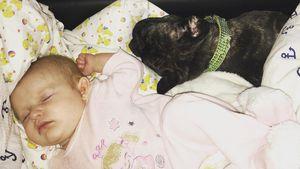 So süß: Mellis Mia Rose überzeugt mit neuer Schlafstellung!
