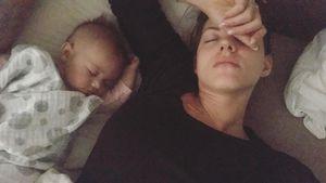Völlig erschöpft? Sarah & Mia Rose machen zusammen Power-Nap