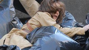 Was sucht denn Michelle Pfeiffer da im Müll?
