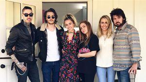 Miley Cyrus mit ihren Geschwistern Trace, Braison und Brandi sowie ihren Eltern Tish und Billy Ray