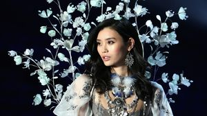 Victoria's Secret-Show-Fail: Model Ming Xi stürzt zu Boden!