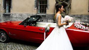 XL-Schleppe: So schön war Ex-GZSZ-Star Nadine Menz als Braut