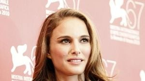 Kämpft Natalie Portman gegen Aliens?