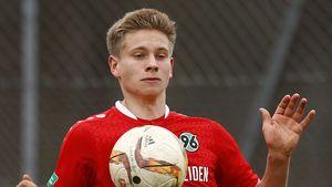 Niklas Feierabend (†19): So bewegend war seine Trauerfeier!