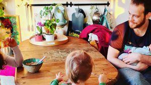 """Nach Geburt: """"Unter uns""""-Star Patrick teilt Familienfoto"""