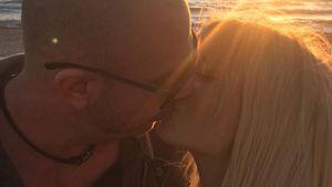 So romantisch: Ballermann-Star Mia Julia teilt Knutsch-Foto