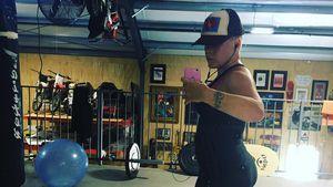 Sängerin Pink in einem Fitness-Studio